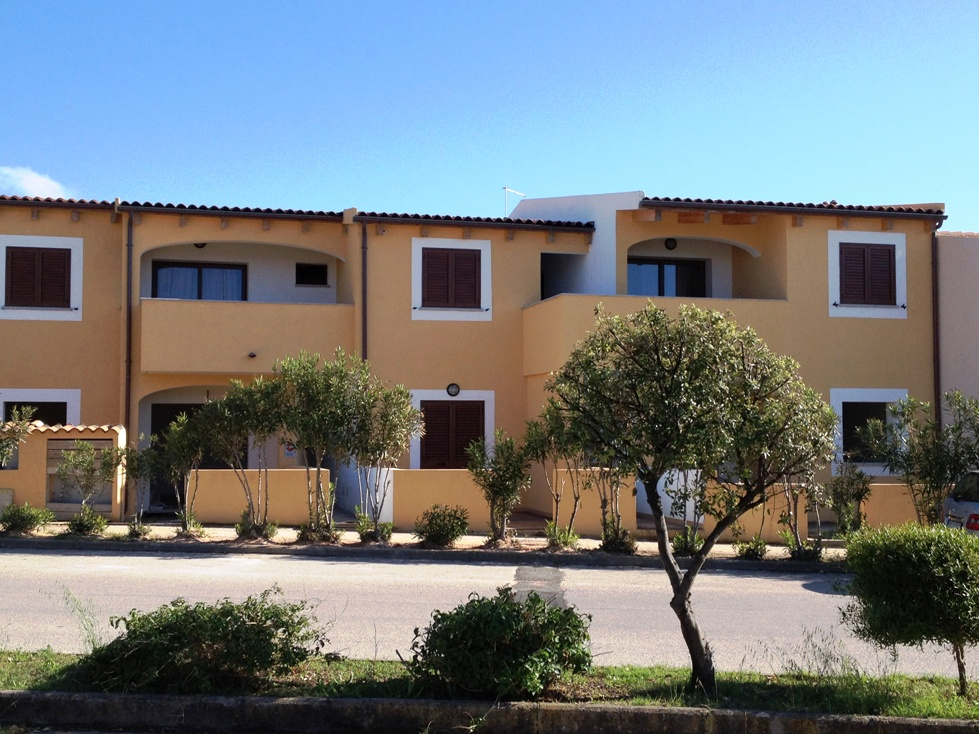 nouveau appartement 150 m tres de la mer isola rossa isola rossa. Black Bedroom Furniture Sets. Home Design Ideas